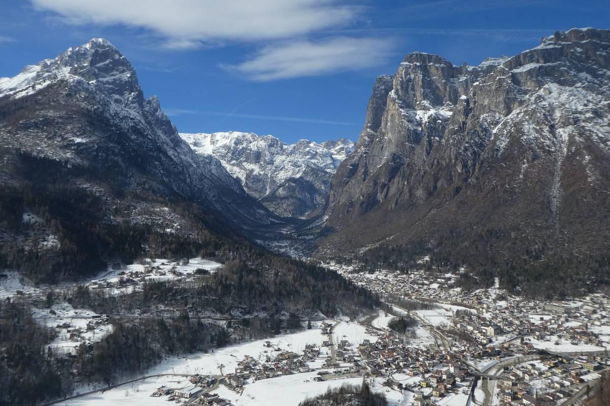 L'abitato di Taibon e la Valle di San Lucano visti da Farenzena