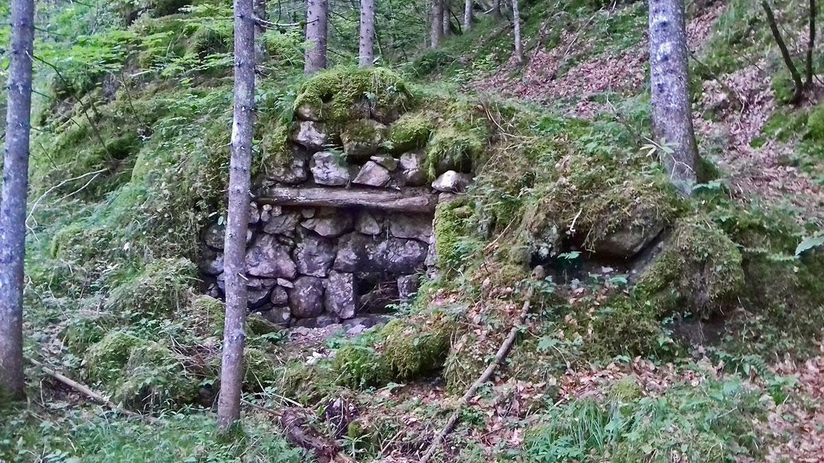 Fornace da calce in località Angheràz bàs