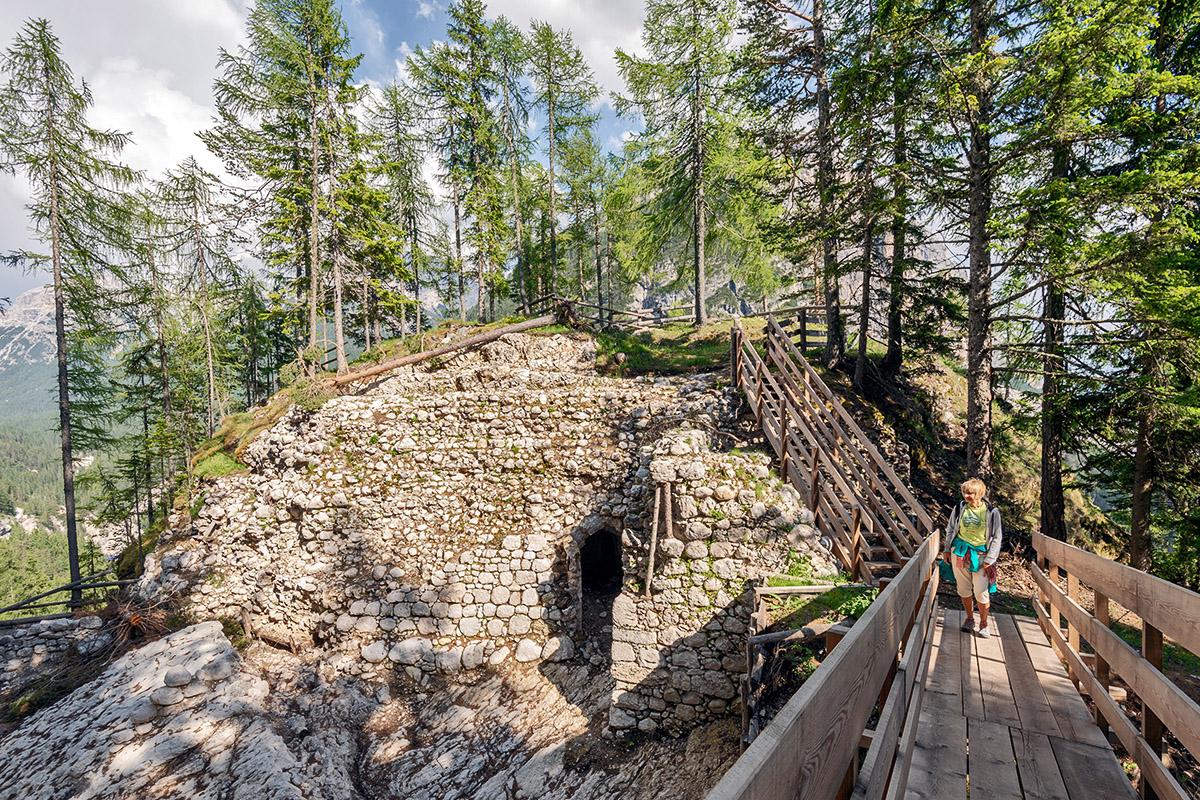 Le rovine del castello (foto Giacomo De Donà)