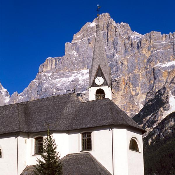 Die Kirche San Vito di Cadore (foto von infodolomiti.it)
