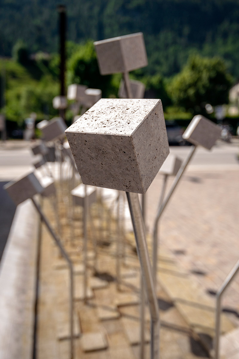 Detail of the fountain with a block of dolomite (photo by Giacomo De Donà)