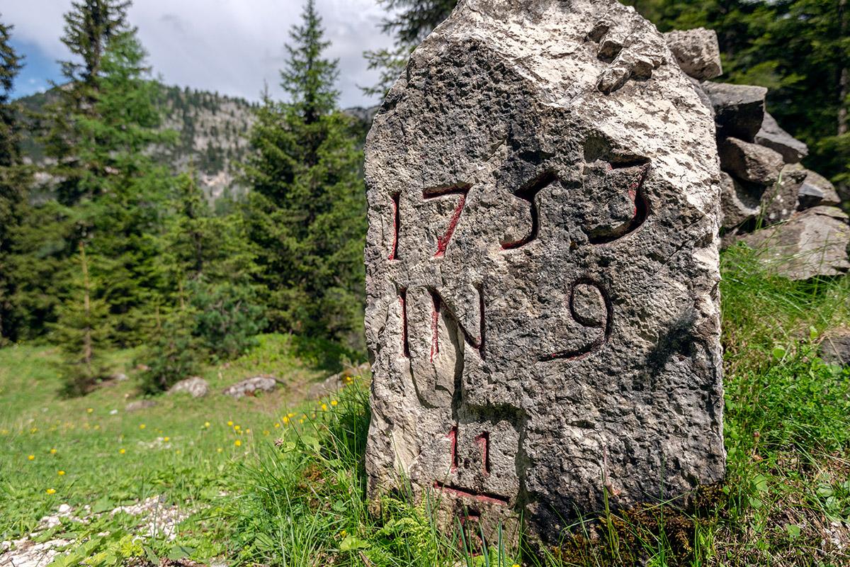 Boundary stone from the Venetian period (photo by Giacomo De Donà)